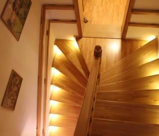 Dekorativní schodišťové osvětlení je v módě!